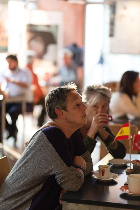 two woman talking Festiberico 2016 Event in Den Haag